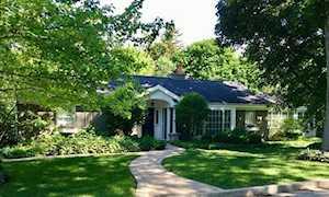 506 Elm Rd Barrington, IL 60010