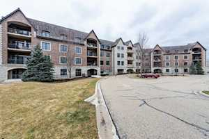 1800 Amberley Ct #405 Lake Forest, IL 60045