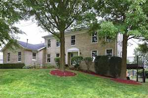 1635 Charlemagne Dr Hoffman Estates, IL 60192