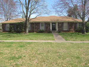 2803 Kennersley Dr Louisville, KY 40242