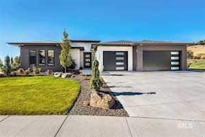 1296 E Broadstone Ct Boise, ID 83702