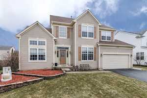 4300 Barharbor Dr Lake In The Hills, IL 60156