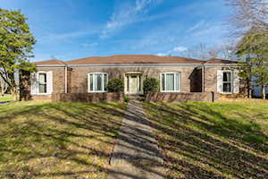 10113 Falling Tree Way Louisville, KY 40223