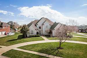2801 Woodcrest Ct Prospect, KY 40059
