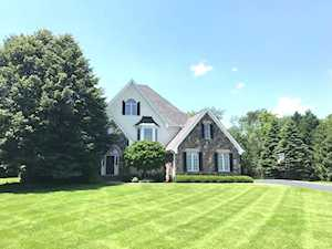 6614 Oakwood Manor Dr Crystal Lake, IL 60012