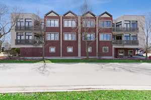 578 Roger Williams Ave #305 Highland Park, IL 60035