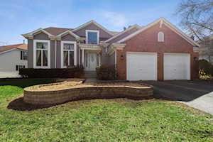 209 Southfield Dr Vernon Hills, IL 60061