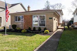 115 S Burton Place Arlington Heights, IL 60005