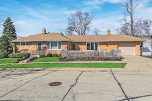 805 Bartlett Terrace Libertyville, IL 60048