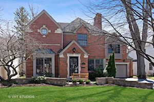 521 E Mayfair Rd Arlington Heights, IL 60005