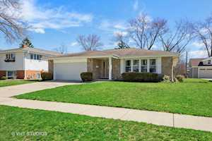 25 N Forrest Ave Arlington Heights, IL 60004