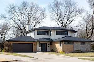412 E Atwater Ave Elmhurst, IL 60126