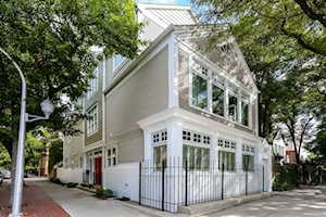 658 W Willow St Chicago, IL 60614