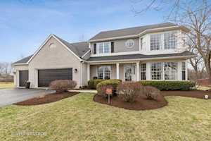 18297 W Old Hickory Ct Gurnee, IL 60031