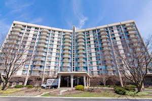 20 N Tower Rd #7M Oak Brook, IL 60523