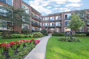 1230 N Western Ave #111 Lake Forest, IL 60045