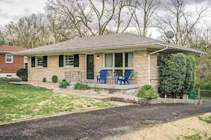 5606 Whispering Hills Blvd Louisville, KY 40219