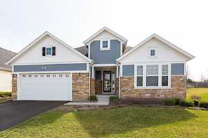 2963 Chevy Chase Ln Naperville, IL 60564