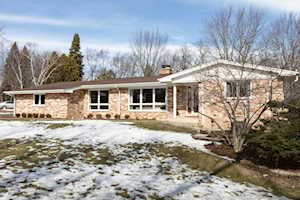 36 Lagoon Dr Hawthorn Woods, IL 60047