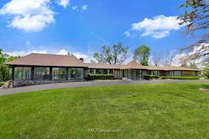 3324 Roslyn Rd Oak Brook, IL 60523