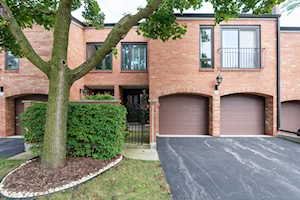 19W234 Gloucester Way Oak Brook, IL 60623