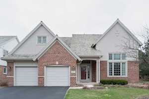 1812 Dunhill Circle Glenview, IL 60025