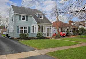 18 Jaqui Ave Morris Plains Boro, NJ 07950