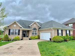 171 Crimson Creek Dr Mt Washington, KY 40047