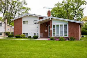 225 Valerie Ct Glenview, IL 60025