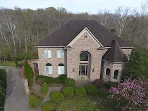 2833 Avenue Of The Woods Louisville, KY 40241