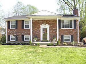 12516 Farmbrook Dr Louisville, KY 40243