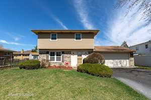9728 Lorraine Dr Countryside, IL 60525