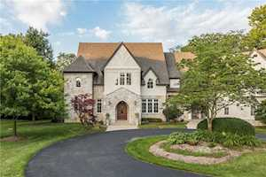 7251 Hunt Club Lane Zionsville, IN 46077