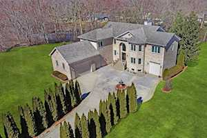 3 Enclave Way Hawthorn Woods, IL 60047