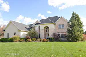 4 Enclave Way Hawthorn Woods, IL 60047