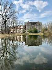 1800 Amberley Ct #402 Lake Forest, IL 60045