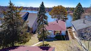 91 Hilltop Dr Lake In The Hills, IL 60156