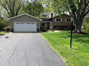 6213 Sands Rd Crystal Lake, IL 60014