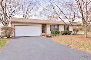 1203 Maple St Lake In The Hills, IL 60156