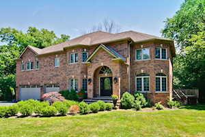 1561 Thorneberry Ct Libertyville, IL 60048