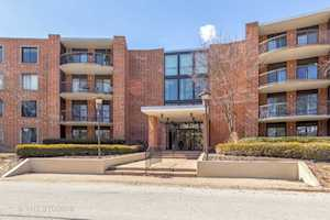 1405 E Central Rd #421C Arlington Heights, IL 60005