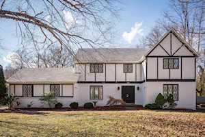 738 Old Harrods Creek Rd Louisville, KY 40223