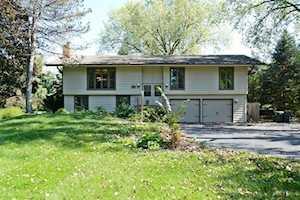 419 Greenwood Ln Barrington, IL 60010