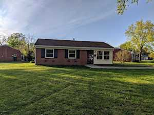 5608 Ailanthus Trail Louisville, KY 40219