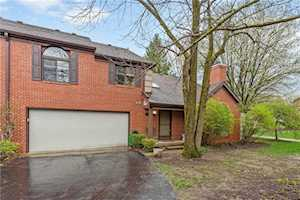 9222 Golden Woods Drive Indianapolis, IN 46268