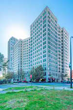 2000 N Lincoln Park West #302 Chicago, IL 60614