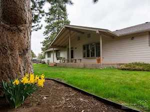 21102 Charity Lane Bend, OR 97702
