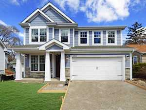 424 Washington St Barrington, IL 60010
