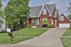 8602 Hi View Ln Louisville, KY 40272