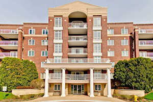 7041 W Touhy Ave #306 Niles, IL 60714